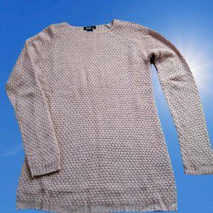 Long Sleeve Pullover Sweater Fitted Round Neckline